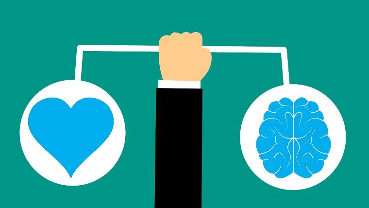 Mentale Kraft symbolisiert durch Herz und Hirn in Balance